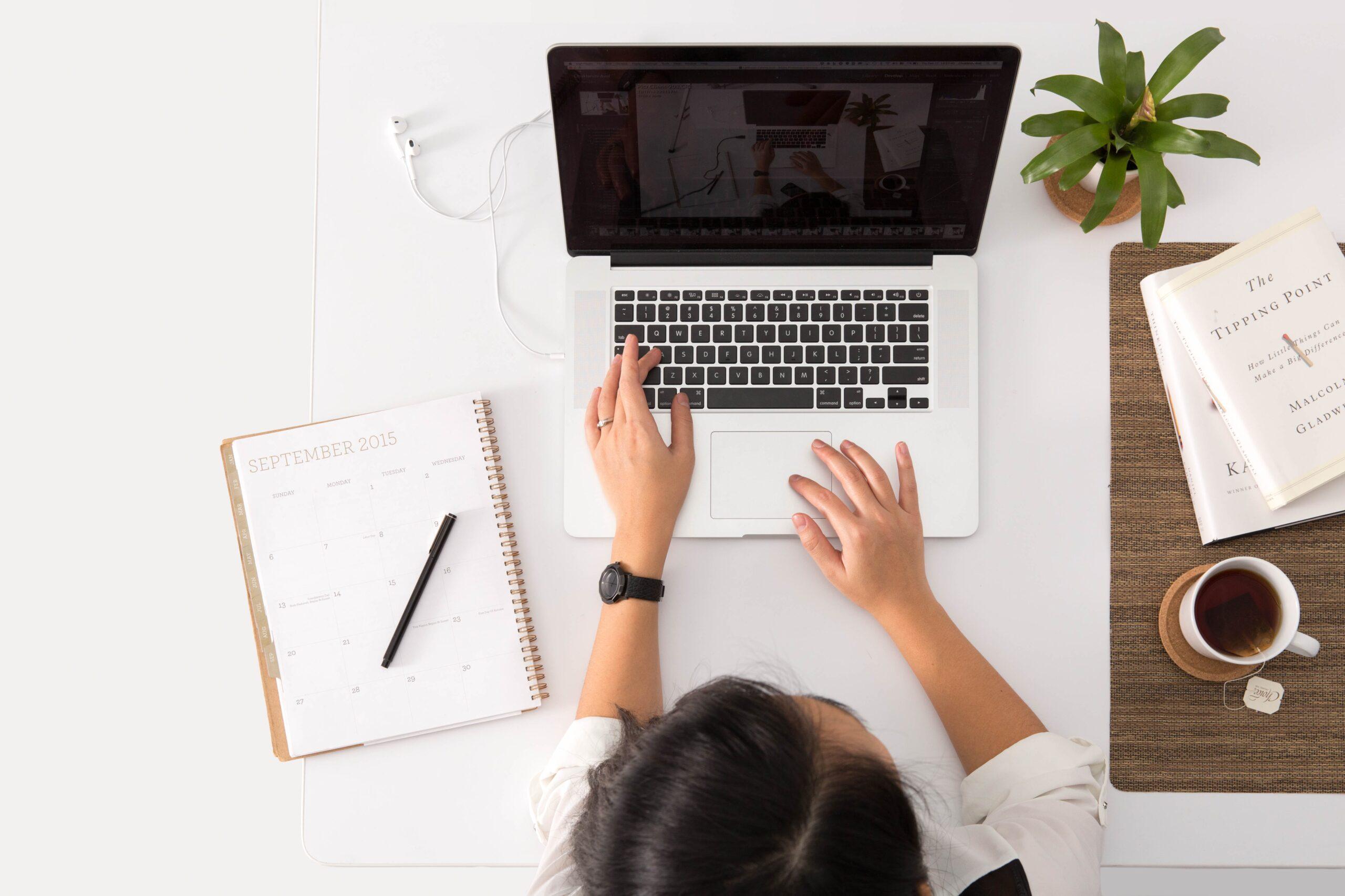 Online można zrobić wszystko. Jak uczy się PZU?