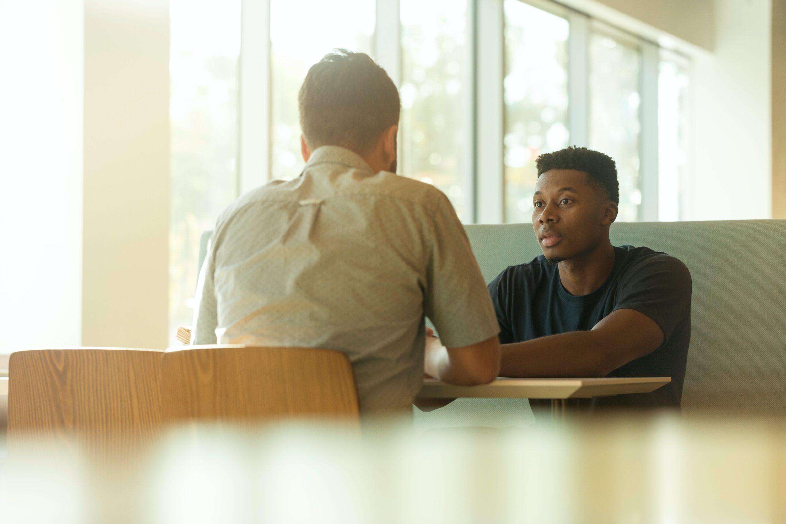 Wybuch emocji na spotkaniu z pracownikiem. Jak sobie poradzić?